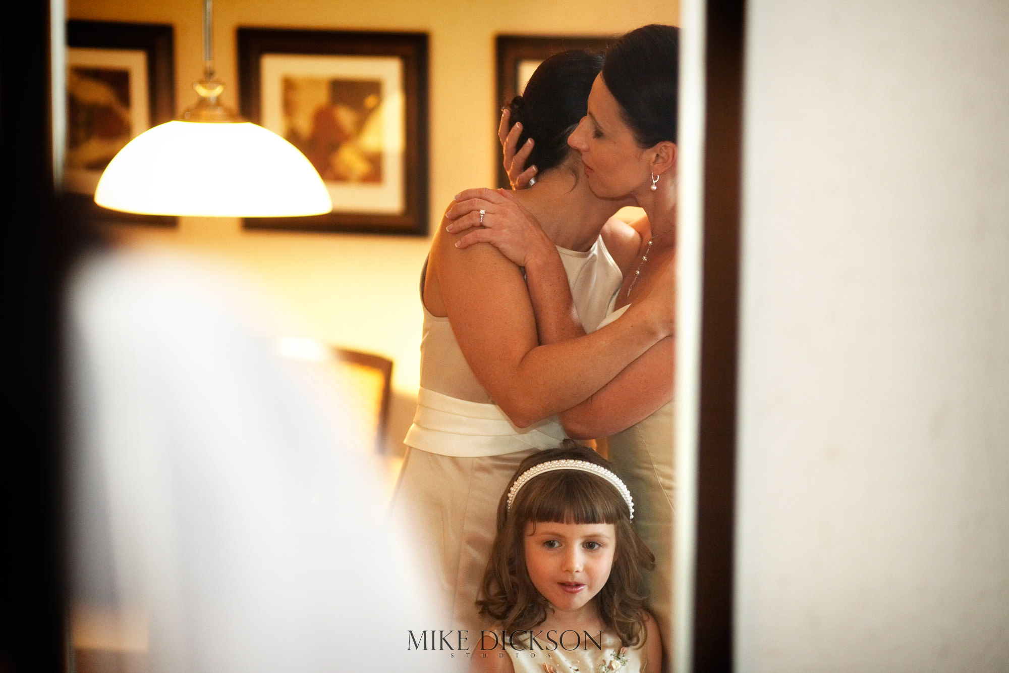 Les Suites, Ontario, Ottawa, Preparation, Summer, Wedding, © Mike Dickson