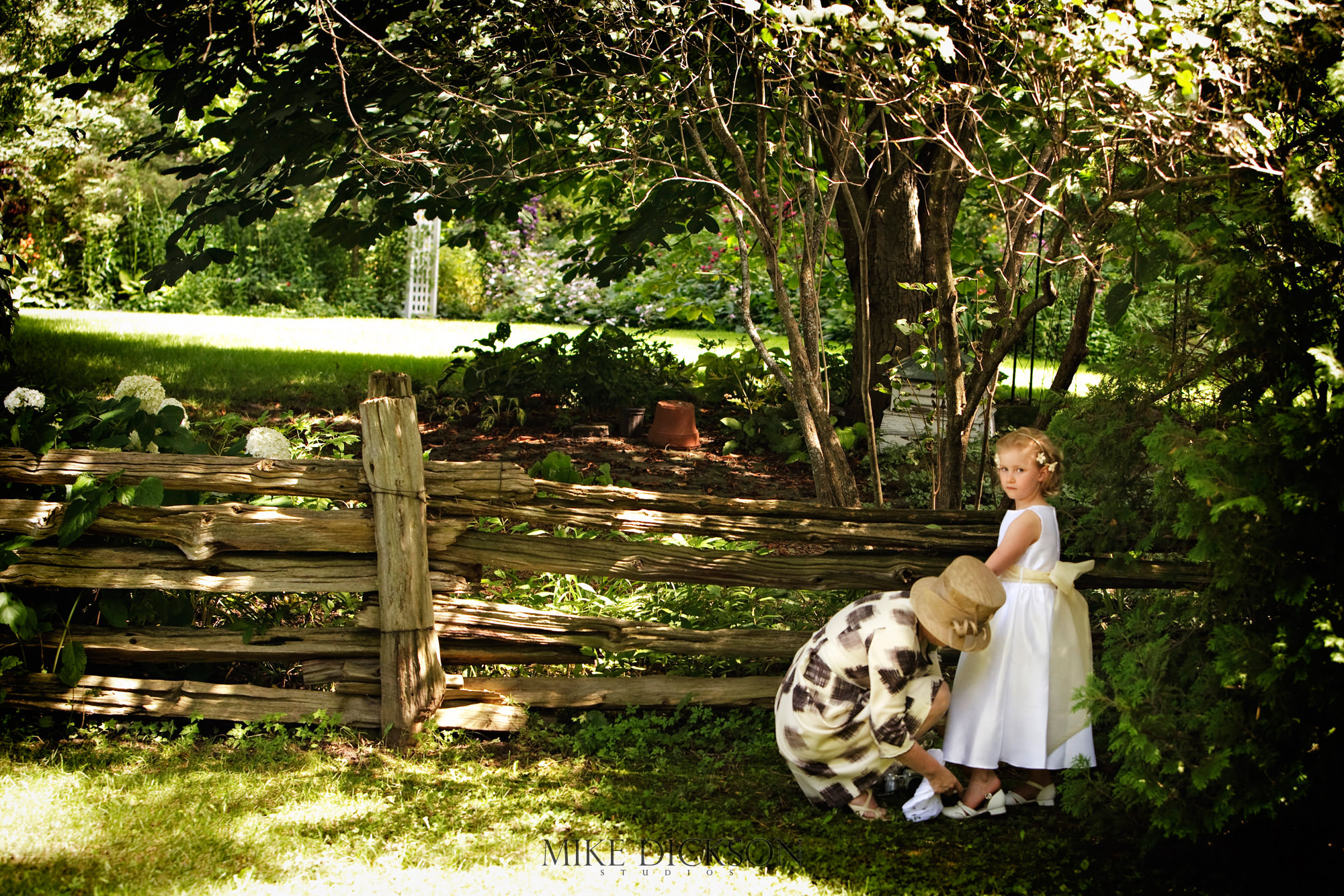 Family, Manotic Old Mill, Manotick, Ontario, Ottawa, Summer, Wedding, © Mike Dickson